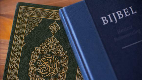 Avond rond Bijbel en Koran